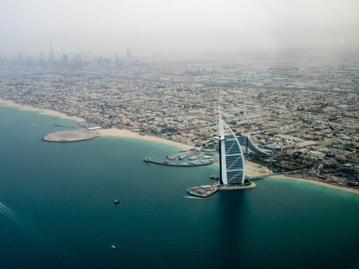 Pohled na nejkrásnější pláže v Dubaji