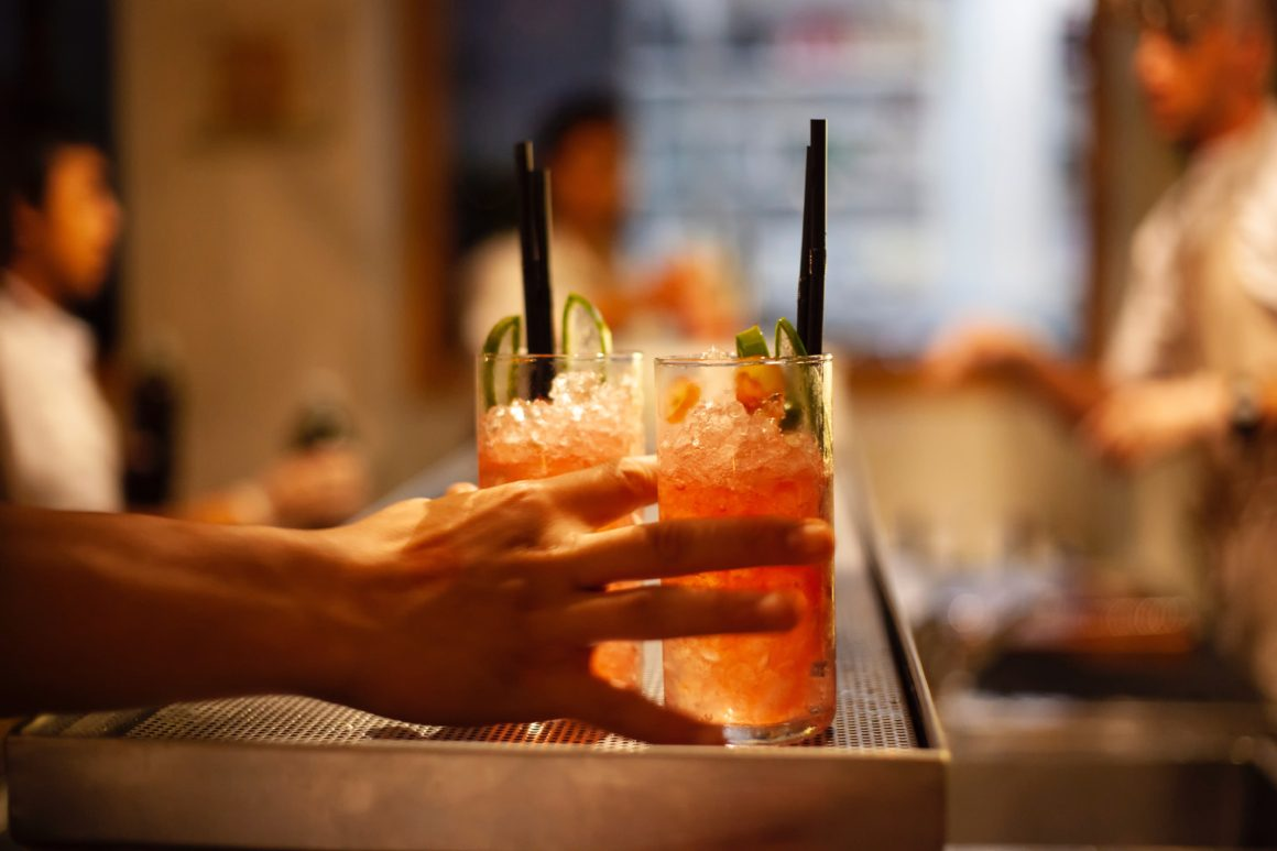 Alkoholické koktejly v rámci all–inclusive